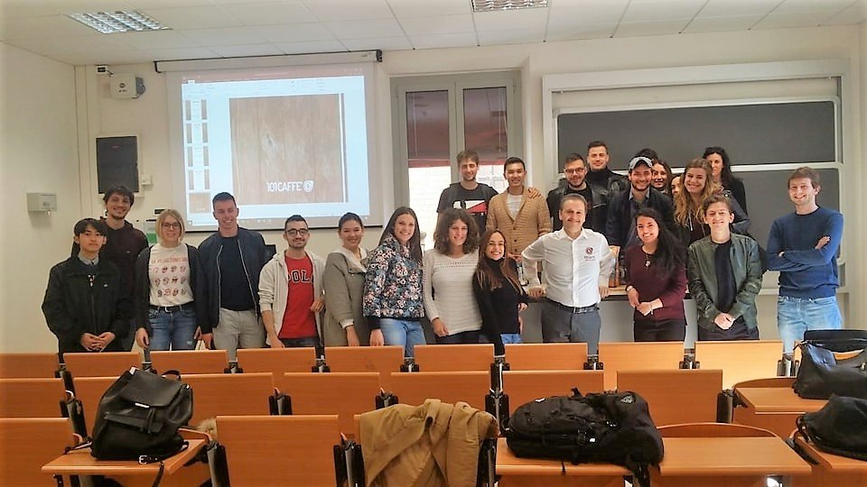 101CAFFE' a suivi le cours de Marketing International à l'Université de Ferrara