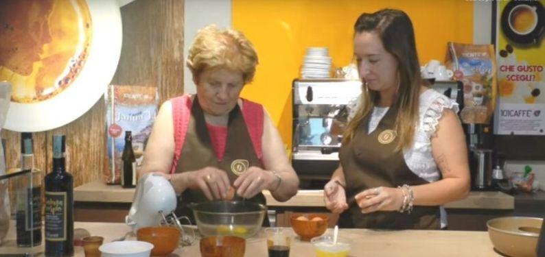 Kaffee- Donuts von Großmutter Anna