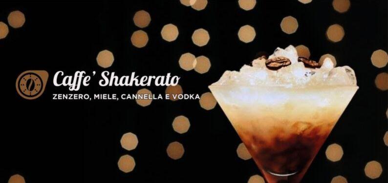 101RECETTES Café shakerato au gingembre, miel, cannelle et Vodka